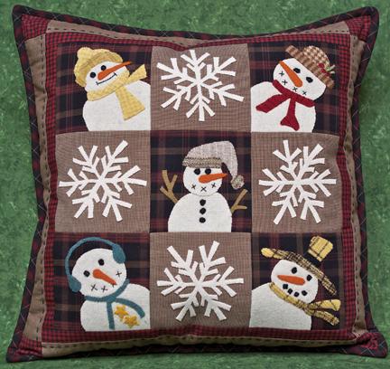 Quilted Snowman Pillow – Craftbnb : snowman quilt patterns applique - Adamdwight.com